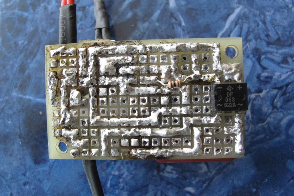 Простой терморегулятор для инкубатора своими руками