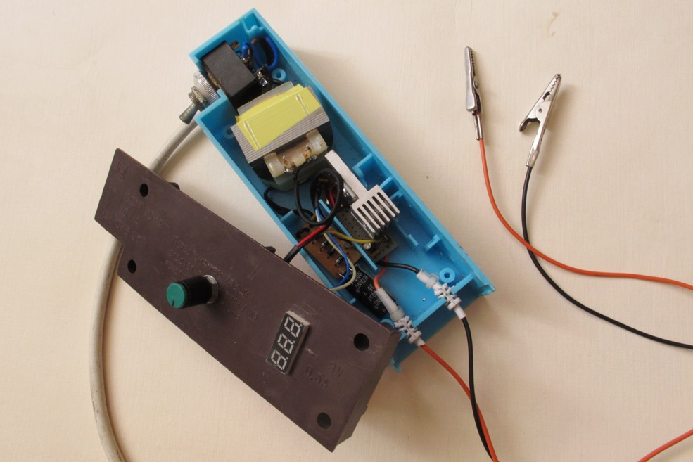 Simple a variable power supply